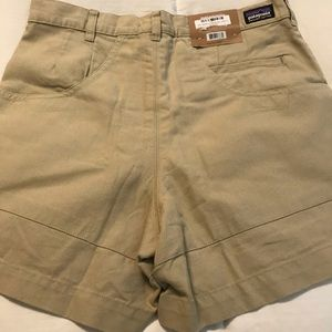 Patagonia Men' shorts size 32 NWT